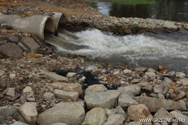 Нечистоты сливают в Биру