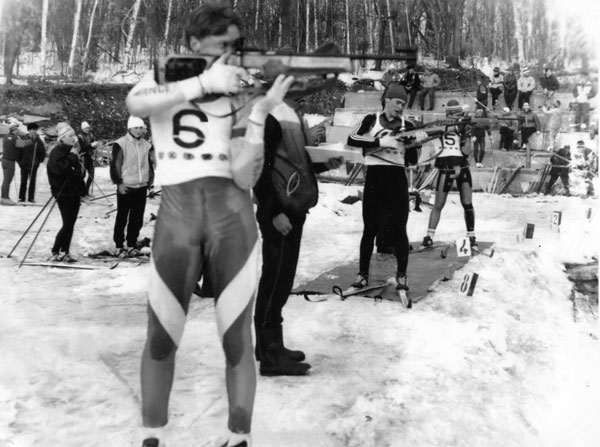 Лыжи, палки… и прицел