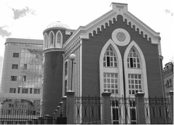 Председатель общины — заслуженный врач - Хабаровская синагога