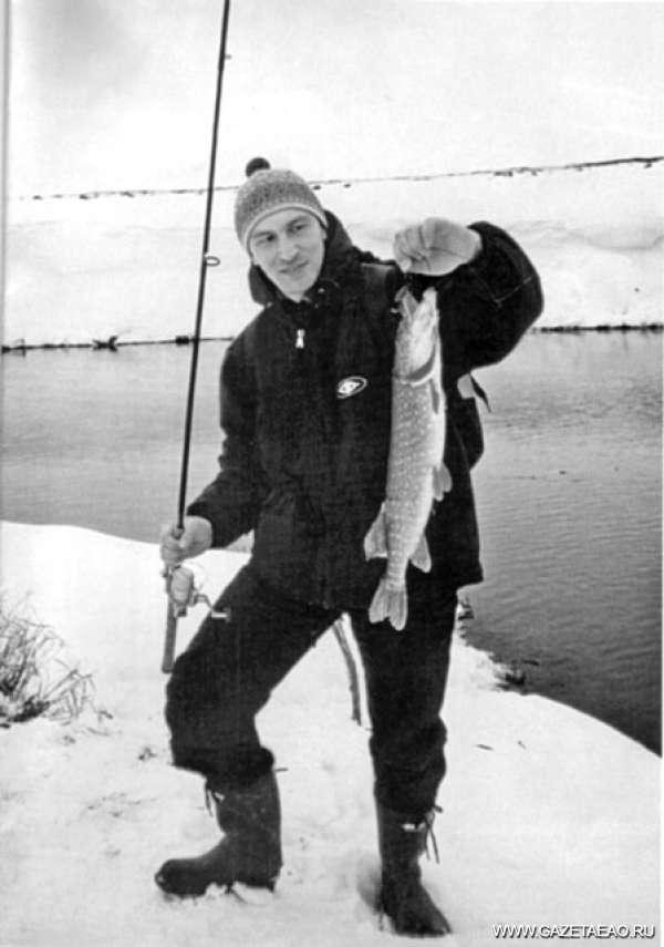 Рыбака обложили…