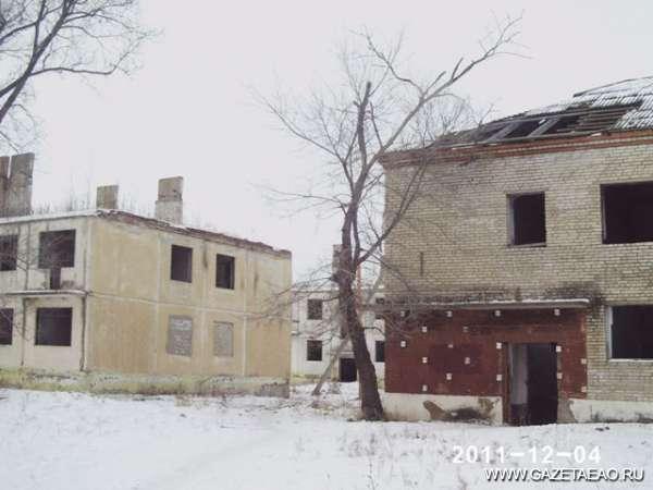 Деревенька моя!.. - Такие дома сегодня в самом центре с. Кукелево.