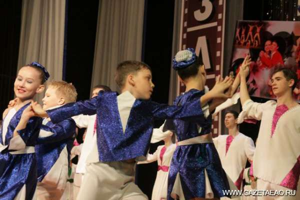 Танцевать и танцевать! - Еврейский танец на биробиджанской сцене.