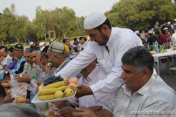 На празднике мусульман
