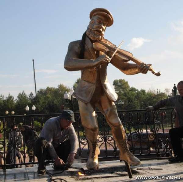 Скрипач на площади