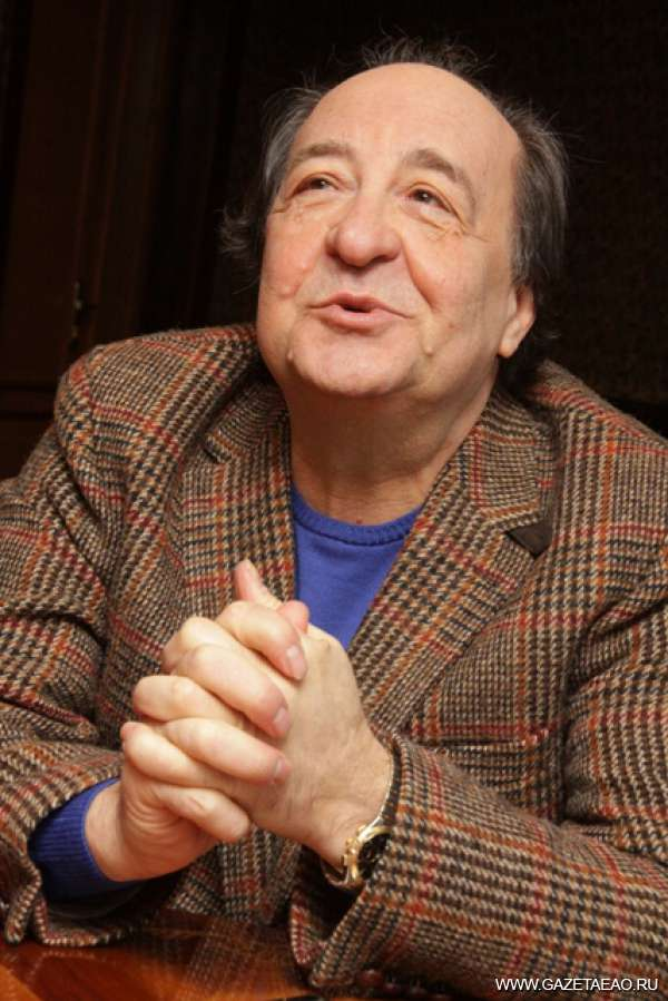 Ефим Звеняцкий: «Театр — это совпадение со временем»