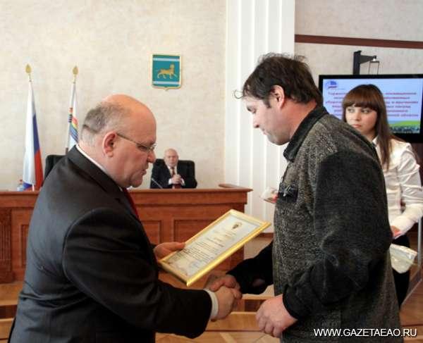 Итоги года  не испортила погода - Для механизатора Станислава Наумова это первая награда