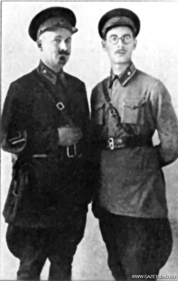 Бегство… на фронт - Эммануил Казакевич со своим командиром Петром Выдриганом. 1942 г.
