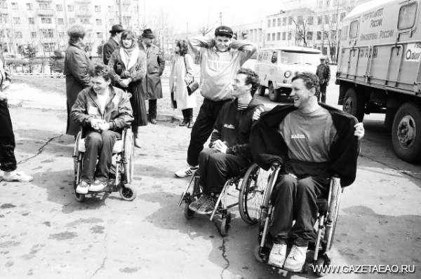 История в фотографиях: год 1992-й - Марафон на колясках Владивосток-Санкт-Петербург