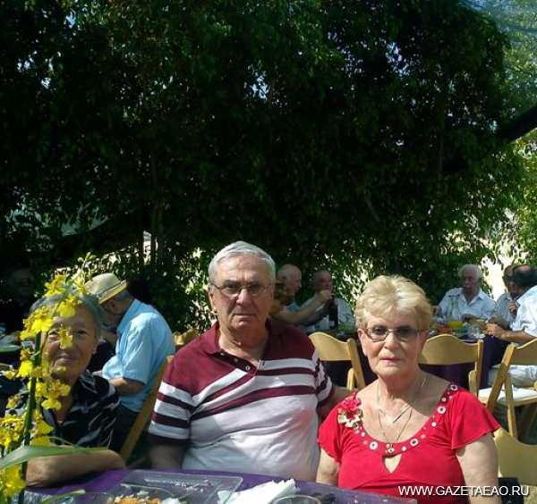 Пусть осень жизни будет долгой - Килюся, Абрам и Клава (справа налево)