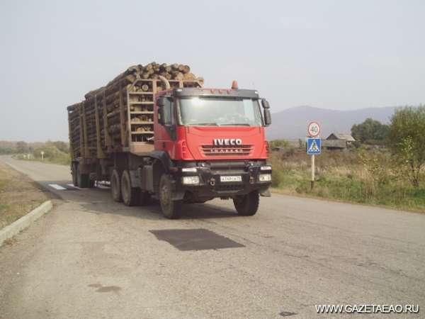 Пять бесплатных кубометров - На таком лесовозе - 45 кубометров дров.