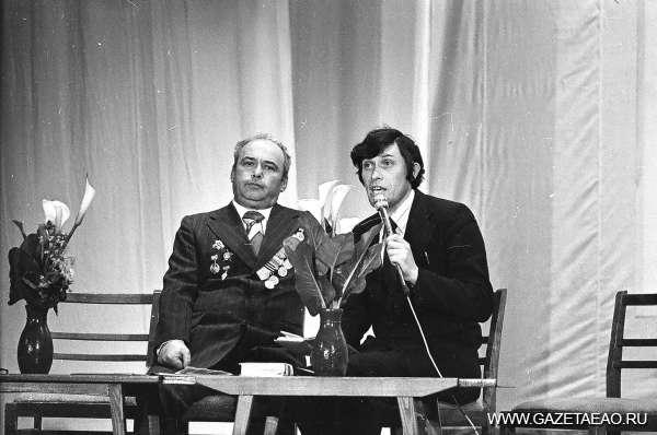 История в фотографиях: год 1980 - Абрам Гольдмахер на вечере,  посвященном 35-летию Победы