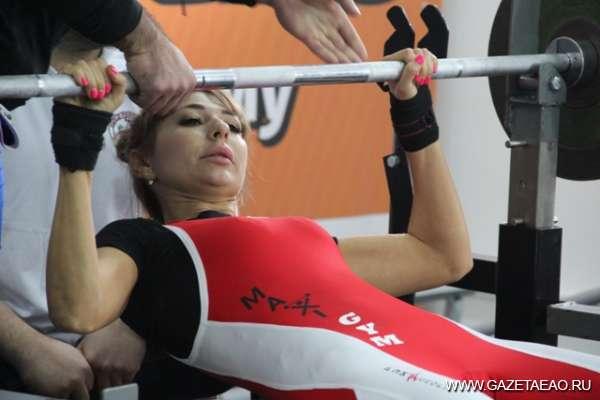Про мускулы стальные, дамские