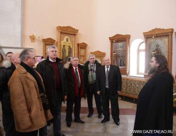 Наше северное дело - В экскурсию, устроенную для гостей, входило посещение кафедрального собора Биробиджана