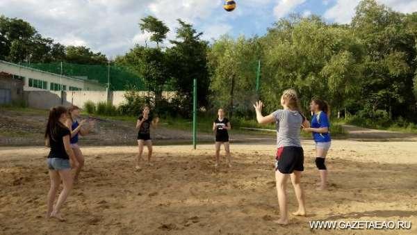 Мяч, песок и солнце