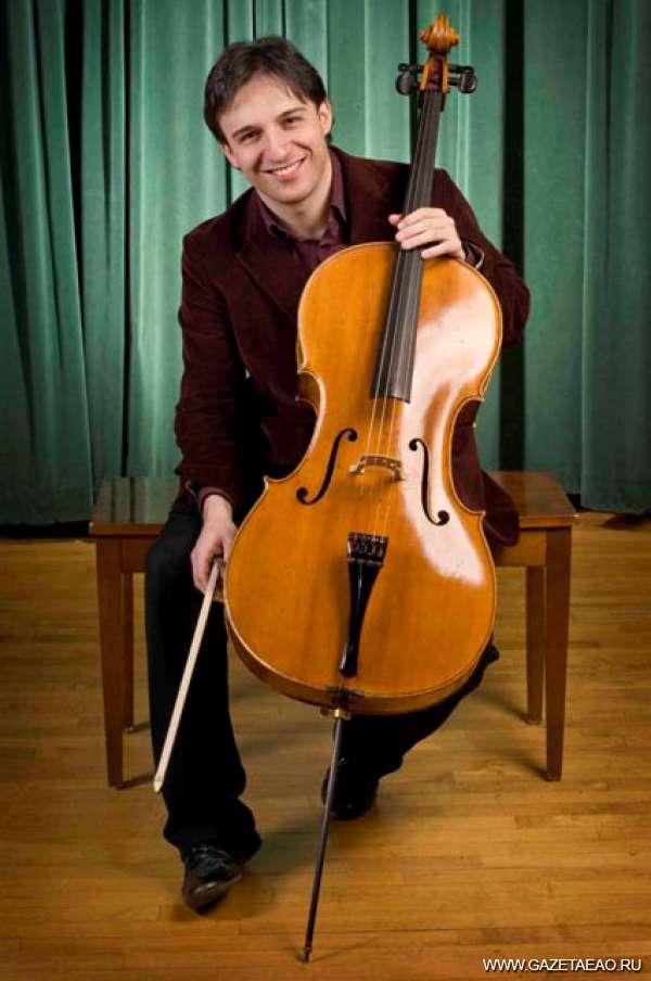 Виолончель времён Страдивари - Умберто КЛЕРИЧИ  с виолончелью 1769 г.