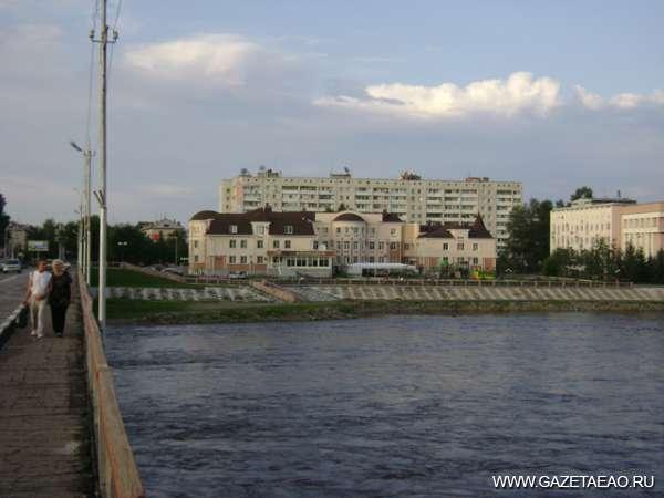 Внимание, Петербург — эс ред, Биробиджан