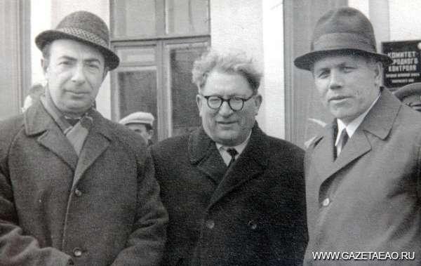 Газета была права - (слева направо) бывшие сотрудники редакции газеты: Валерий Панман, Наум (Нахим) Фридман и Федор Фетисов.