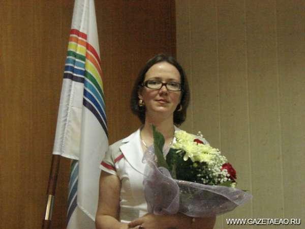 Всё по закону - Мировой судья С. Умникова после принятия присяги и поздравлений коллег и депутатов области.
