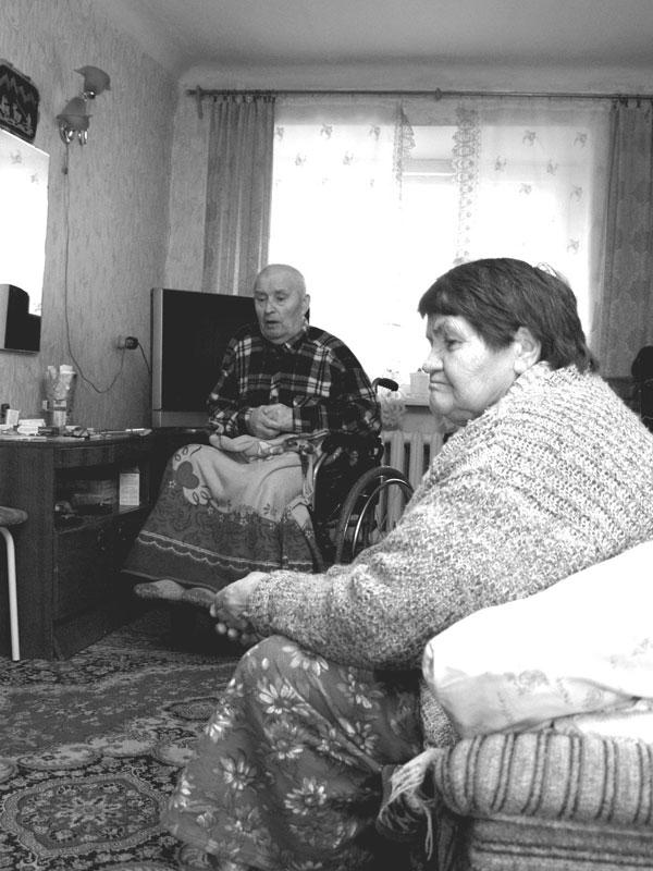 «Устали жить в таких условиях» - Супруги Василий Матвеевич и Надежда Николаевна Кравчук