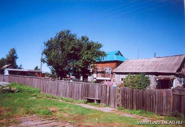 Наша усадьба - В селе Ключевом дома соседствуют с дачами.