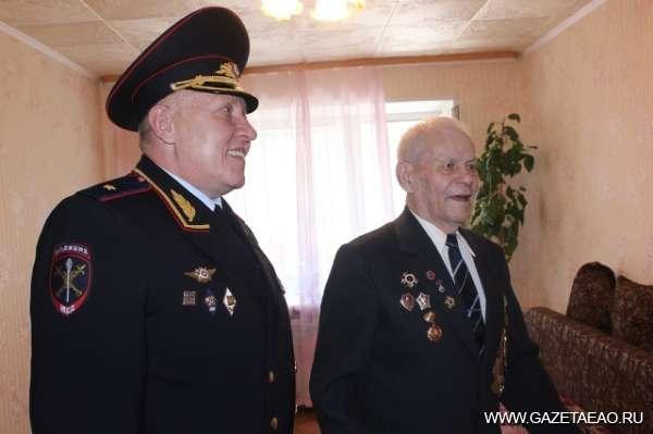 45 лет служения Отчизне - Поздравление начальника УВД по ЕАО Василия Олейника