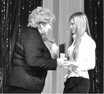 Опять двадцать пять - Премию губернатора Еврейской автономной области получает студентка 3 курса ДВГСГА Наталья  Гринь