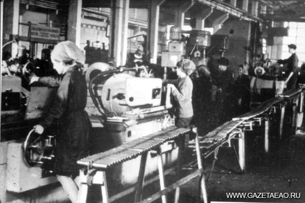 Судьба флагмана - Поточная механизированная линия обработки оси катка. 1965 г.