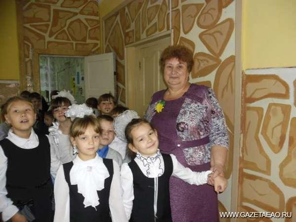 Совсем другие дети - Надежда Леонидовна Шамрай со своим первым классом