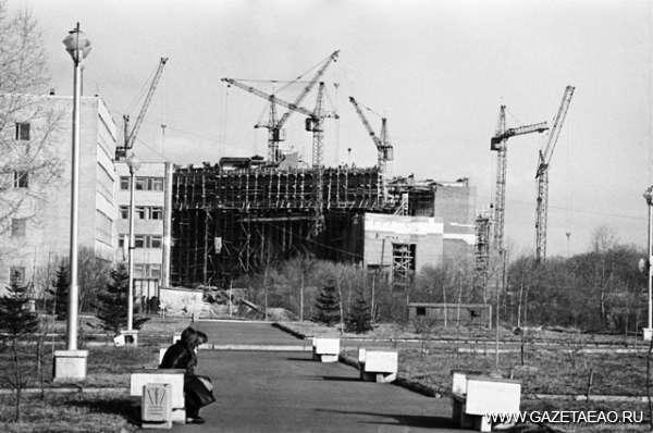 Королева лир - Идет строительство филармонии. 80-е годы