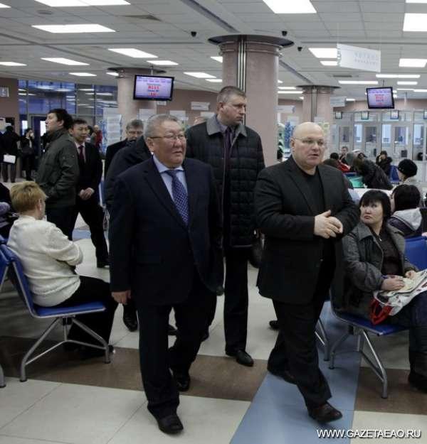 Якутия и ЕАО: будем сотрудничать - Президент Саха (Якутии) и губернатор ЕАО шагают в ногу.