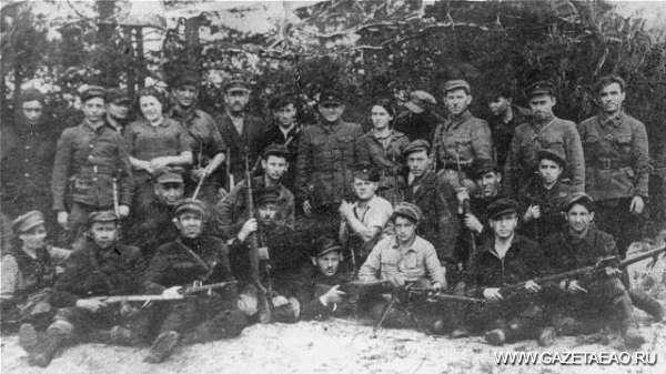 Партизанское движение в годы войны - Отряд братьев Бельских