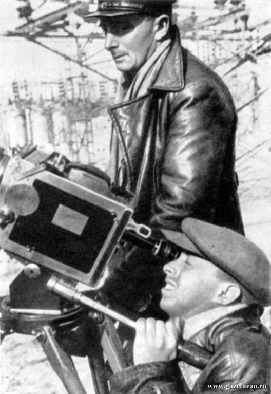 Дзига Вертов – художник документального экрана
