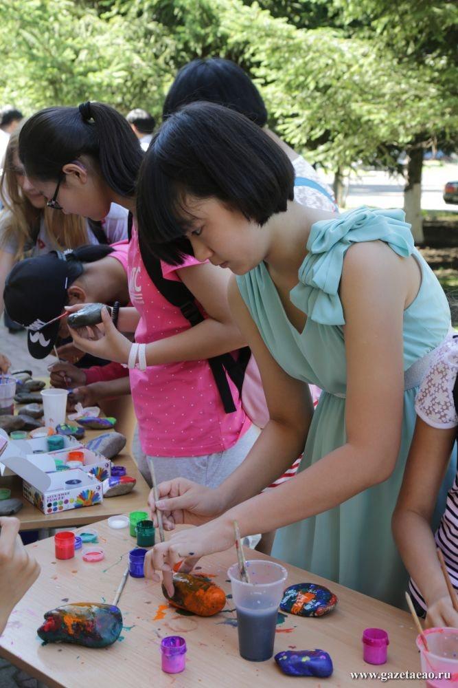 Кто живет по соседству - Совместное творчество с гостями из Китая