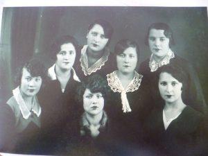 Фира Кофман с однокурсницами