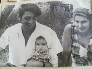 С женой Людмилой и дочерью Соней