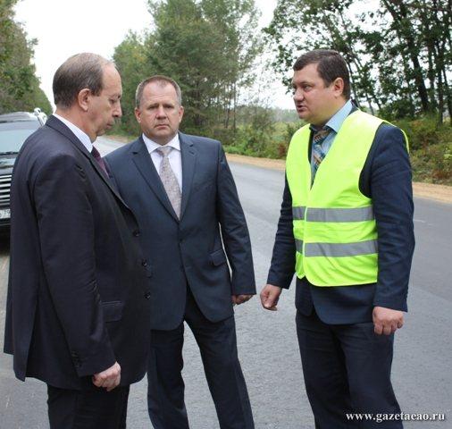 Губернатор проинспектировал ремонт дороги