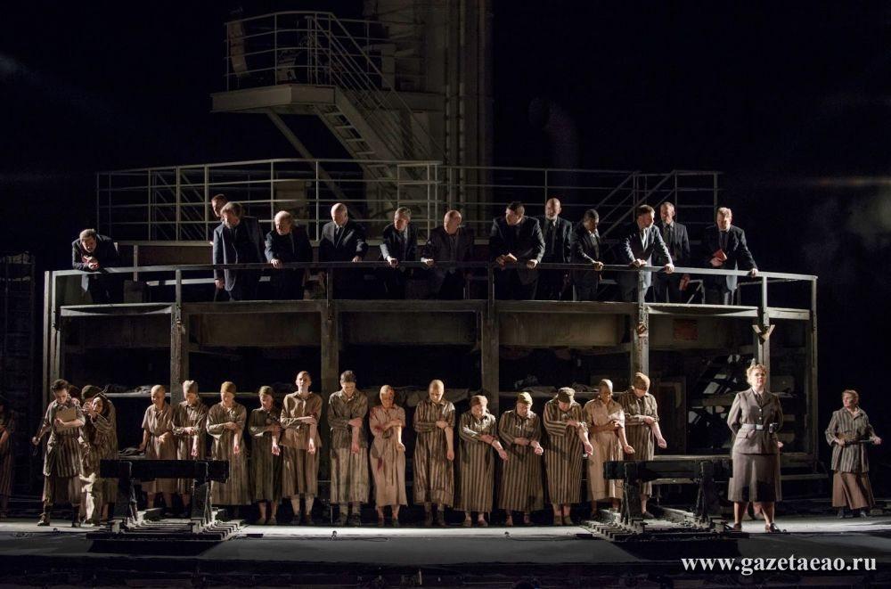 Зофья Посмыш: жизнь с «Пассажиркой» - «Пассажирка» Моисея  Вайнберга на сцене Лирик-оперы Чикаго