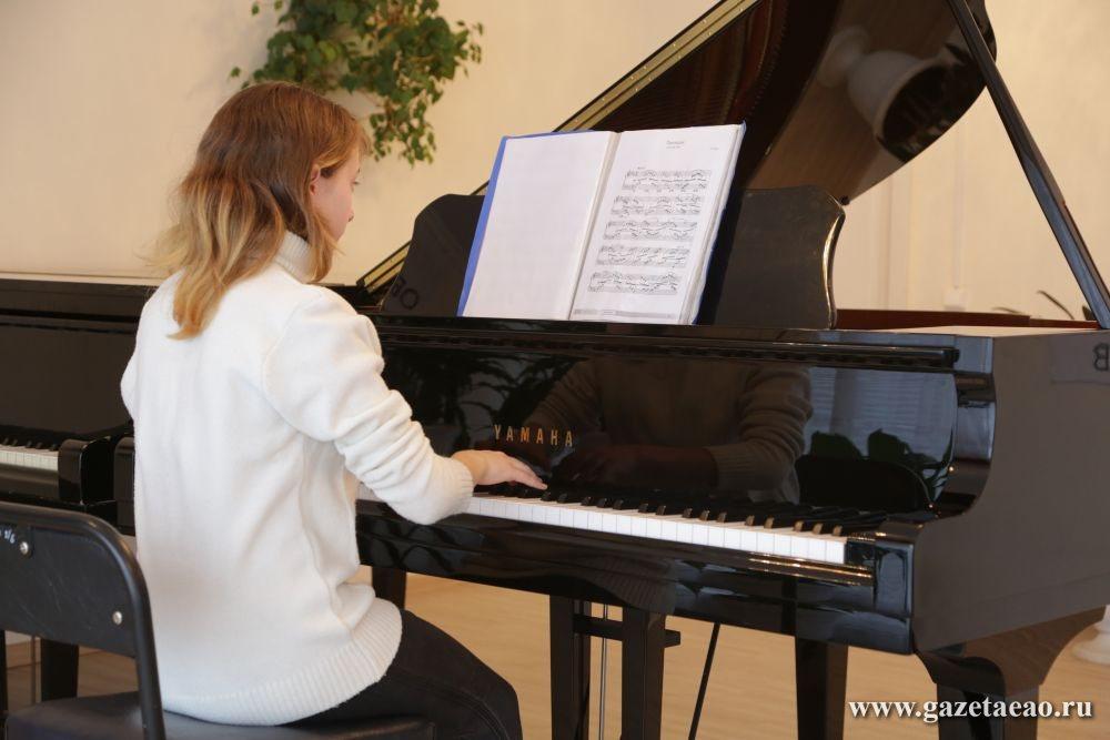 Как по нотам - За роялем - Аня Попова