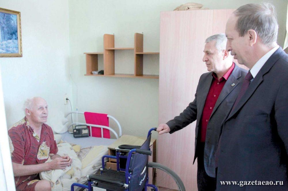 Глава региона проинспектировал стационарные учреждения социального обслуживания