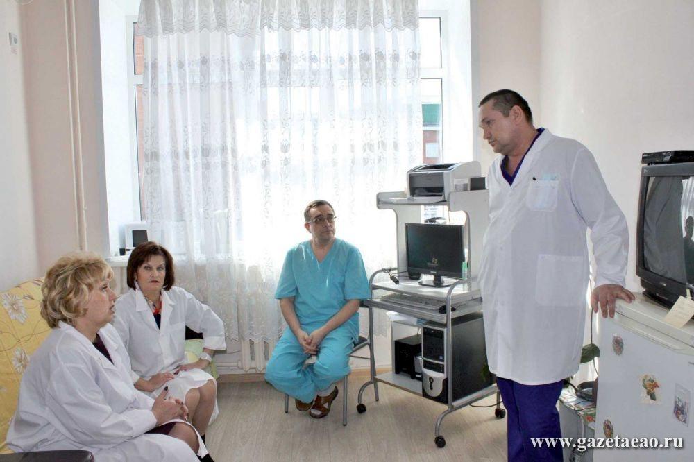 Депутаты встретились с врачами областной больницы