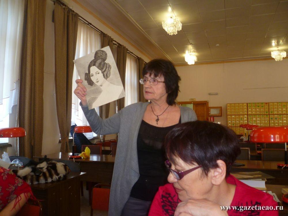 О чем писали женщины в стихах - Л. Капуцына с портретом Юлии Жадовской