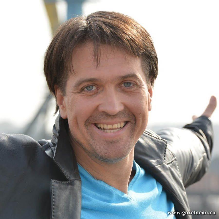Денис Матросов:  К знакомствам в соцсетях  я отношусь прекрасно!