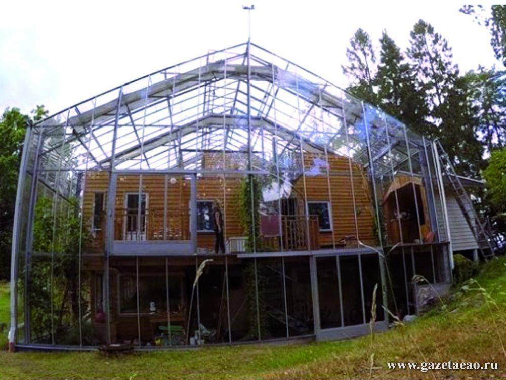 Дом за стеклом - Фото из соцсети  «Вконтакте»