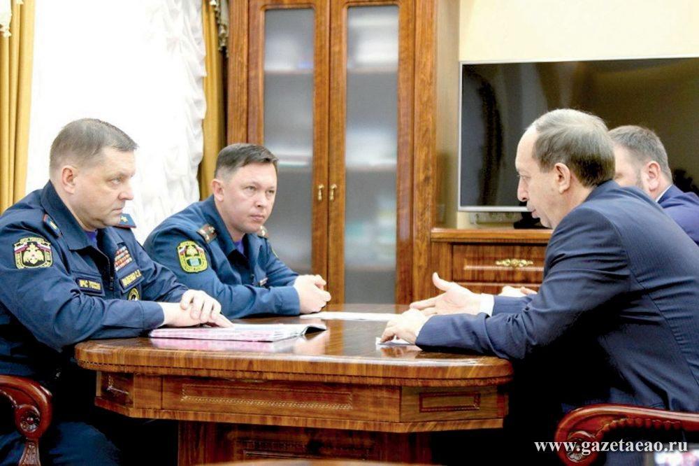 Александр Левинталь встретился  с руководителем объединенной структуры МЧС Сибирского регионального центра