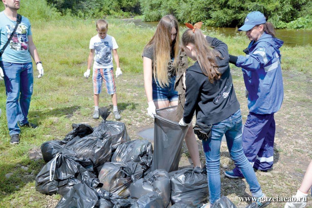 «Экологический катехизис» для поколения NEXT - На фото из архива автора: экологическая акция Транснефти в Биробиджане.