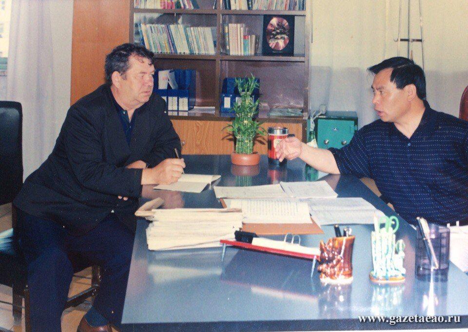 Новый виток дружбы - Автор на приеме у мэра Ван Юхуа.