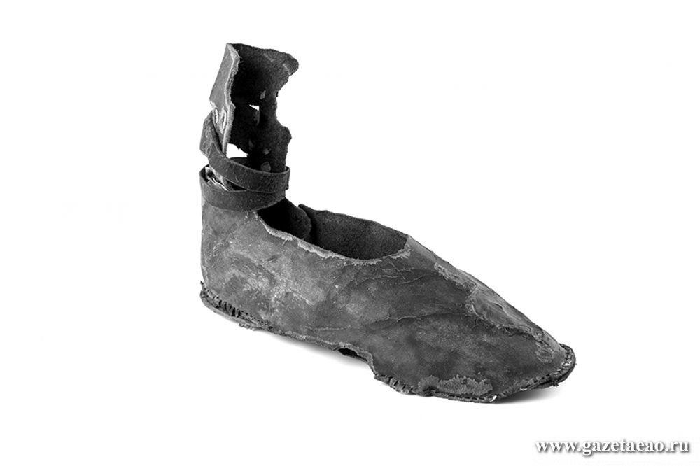Что Б-гу  до наших шнурков? - Халица – ботинок