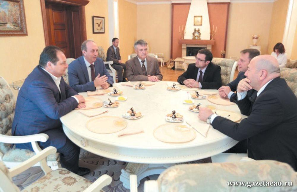 Губернатор ЕАО Александр Левинталь и посол Государства Израиль в Российской Федерации Гарри Корен обсудили вопросы сотрудничества