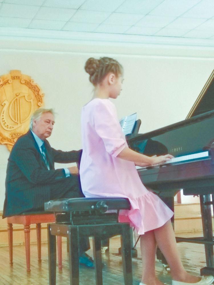 Рояль весь раскрыт, и струны в нём дрожали… - Фарида Сулейманова на мастер-классе Александра Святкина.