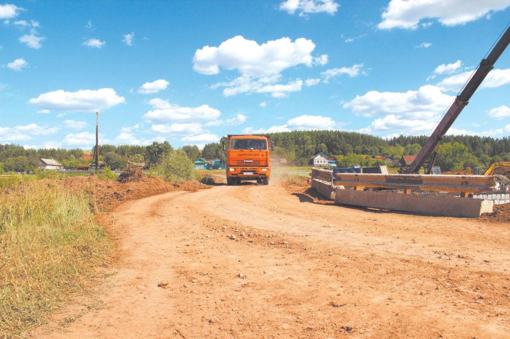 Сколько денег затратят  на ремонт местных дорог?